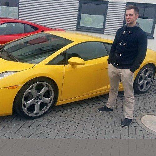 Lamborghini / Ferrari fahren für 25 €uro/20min