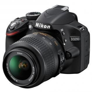 Nikon D3200 Kit AF-S DX 18-55 VR + Tasche & 16gb Speicherkarte für 377€ (kostenloser Versand und 3Jahre Garantie)