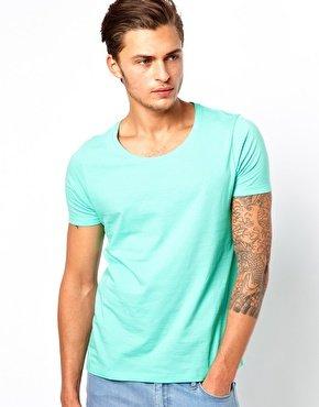 T-Shirt mit U-Ausschnitt für 2,74€ @Asos