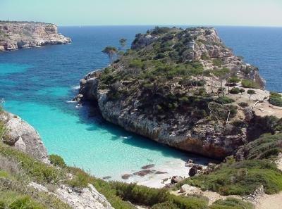 Januar 2014: 5 Tage Mallorca, Apartment, Flug, Mietwagen (incl. 1. Tankfüllung) für 4 Personen ca. 81 € p.P.