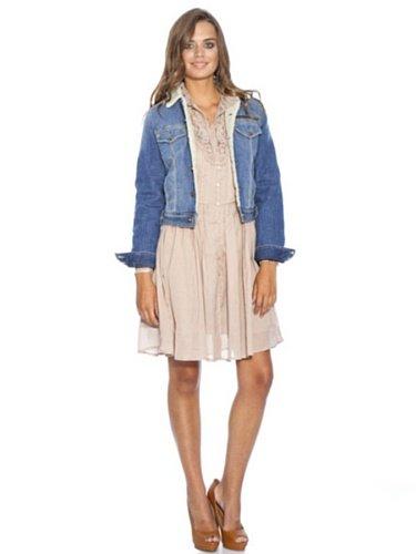 @Amazon: Pepe Jeans Savannah Jeansjacke PL400076 für 39,95€ + 3,50 Versand Statt 159,95€