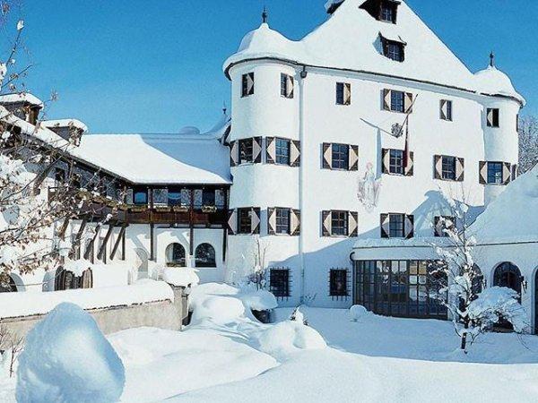 Ski- und Wellnessurlaub in den Kitzbüheler Alpen (Fieberbrunn): 2 Übernachtungen/HP+ im 4*-Schlosshotel Rosenegg für 2 Personen (2 Kinder bis 5Jahre frei)