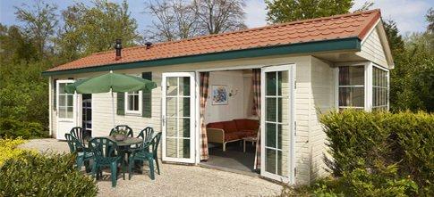 Osterferien: Bungalow Duinrell (Nordsee): 4 Tage, 169€ anstatt  293€ ( inkl.  Freizeitpark, 2 Std/pT. Schwimmen, Bettwäsche, Endreinigung)