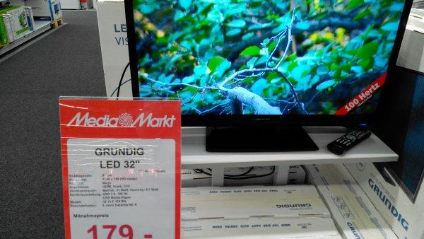 Grundig 32 VLE 4301 BA 81,3 cm (32 Zoll) LED-Backlight-Fernseher, EEK A (HD-ready, 100 Hz PPR, Analog Tuner, USB 2.0) hochglanz-schwarz MM DÜSSELDORF