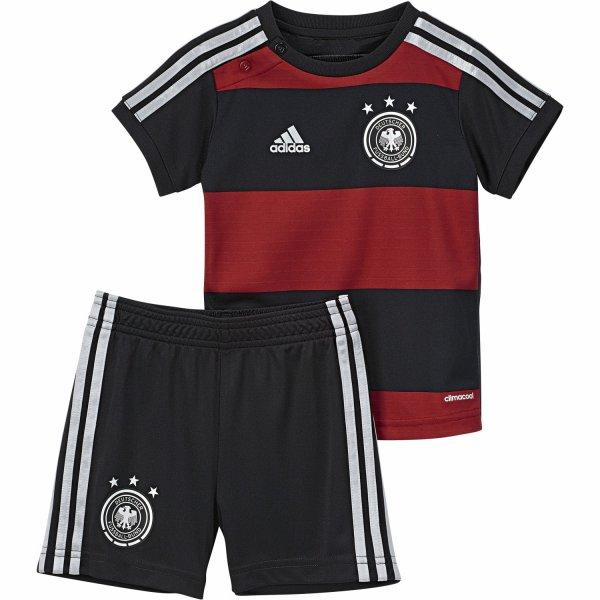 [Online bei cortexpower.de] Adidas DFB Away Mini Kit WM 2014 (Trikot und Hose) in den Größen 92, 98, 104, 110 und 116 für 37,48€ statt 48,40€ oder die Version für Erwachsene für 50,99€ statt 54,95€ oder größere Kinder für 41,89€ statt 50,95€