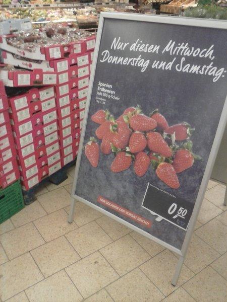 Erdbeeren 500g für 0,50 € im real in Leverkusen
