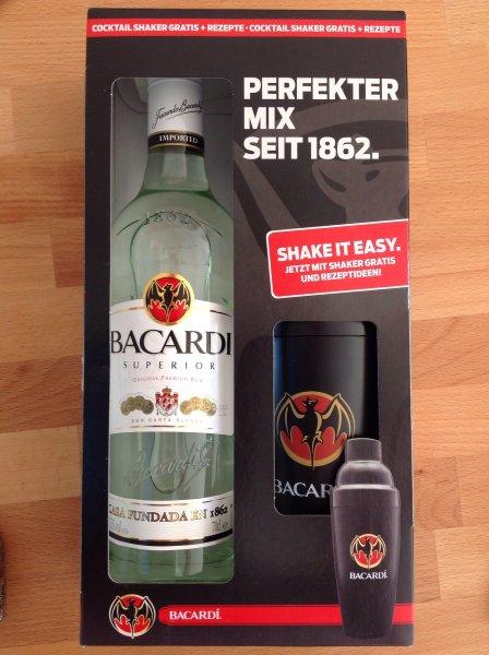 Bacardi (0,7l) mit Cocktail-Shaker gratis für 9,95€
