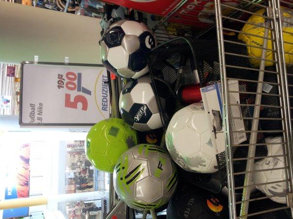 Fußball @ real,- Köln-Sülz