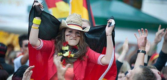 Köln: ab 5.6.2014 - je 1000 gratis Public Viewing Tickets für Spiele von Deutschland & Brasilien über VRS