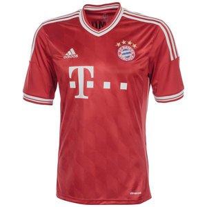 [outfitter] (noch) aktuelles Bayern Trikot für 35,96