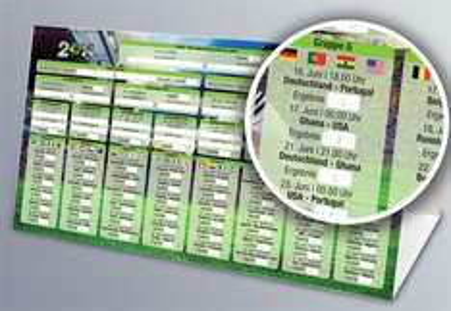 Persönlicher WM-Planer als Dreiecksaufsteller aus 300 g/qm Karton zum Zusammenstecken @ PrintPlanet.de