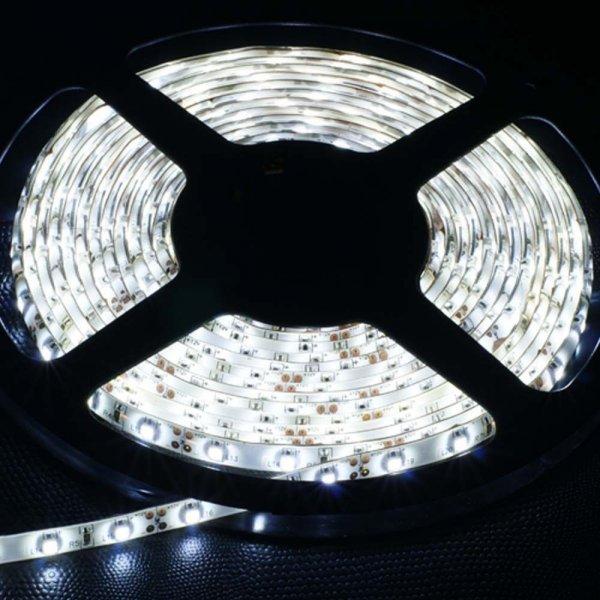 5M 3528 wasserdicht kaltweiß SMD 300 LED Strip Streifen für nur 6,56€