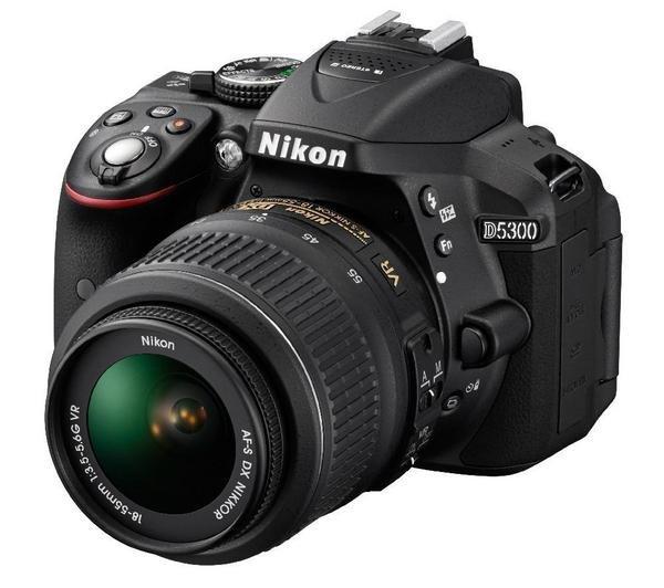 NIKON D5300 - Digitalkamera + AF-S DX VR II 18-55-mm-Objektiv