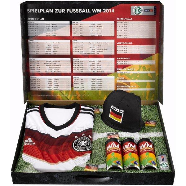 DFB Trikot + gratis Fanbox mit Spielplan, Hut, Schminke und 3 Energydrinks  plus Füllartikel ab 51,95€ @ Karstadt Sport