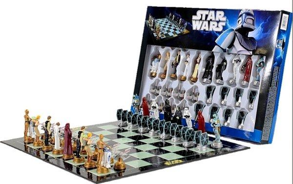 STARWARS Schachspiel für 14,99 €