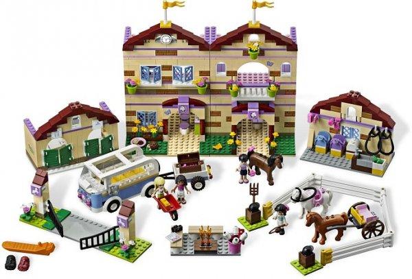 Lego 3185 Großer Reiterhof (EOL!) @MyToys plus Gratis-Ball