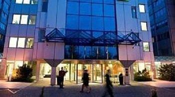 [Hotel] Berlin zum Public-Viewing: 1 Nacht im 4* Grand City East für 12€pP (24€ Doppelzimmer)