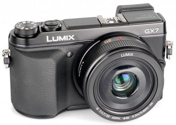 [Lokal] Panasonic Lumix DMC GX7  + Obj. Lumix G Vario 20 mm F/1.7 (DMC-GX7C-K)