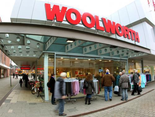 [Offline] 50% auf bereits reduzierte Bekleidung bei Woolworth