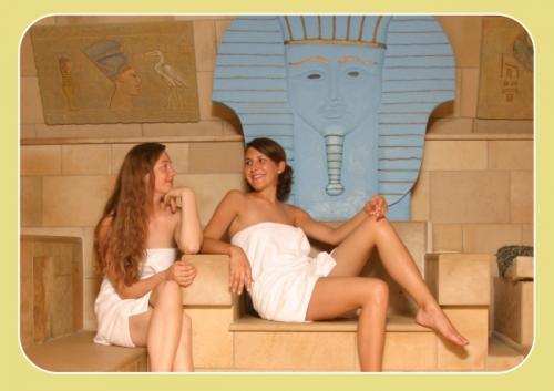 [Berlin] Sauna (Tageskarte) für 2 Personen + 15 Min Massage für 1 Person - 23€ off!