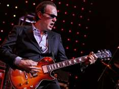 Gratis Song: Different Shades of Blue - Joe Bonamassa