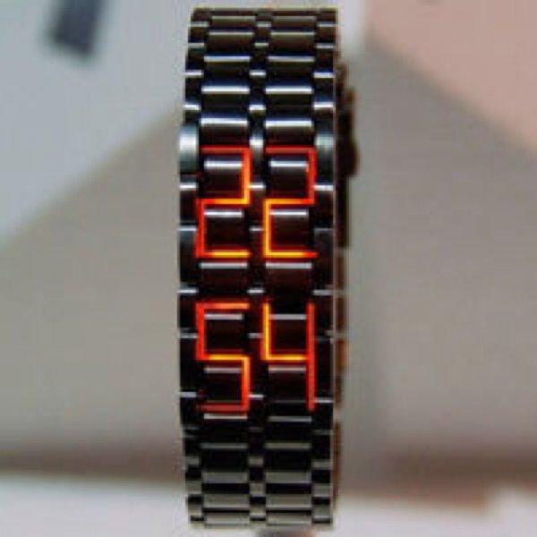 [Ebay] Iron Metall Armband mit integrierter roter/blauer LED Uhr