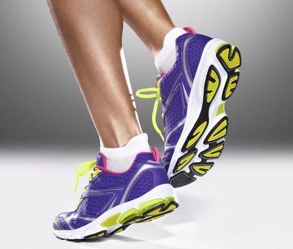 Damen Laufschuhe mit Gelkissen für 15€ zzgl. 4,95€ - startet ab 6:00 Uhr @Tchibo Online