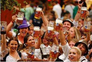 Oktoberfest München inkl. Übernachtung im Best Western 4* Hotel München Airport mit Frühstück, Tagesticket für MVV, 1 Maß nur 99€ p.P.