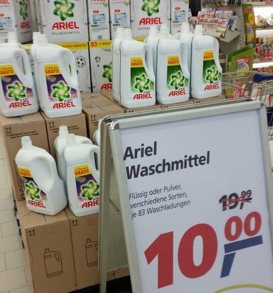 (Lokal Cuxhaven Real) Ariel Waschmittel 83 Waschladung = 12ct/Waschladung  flüssig oder Pulver