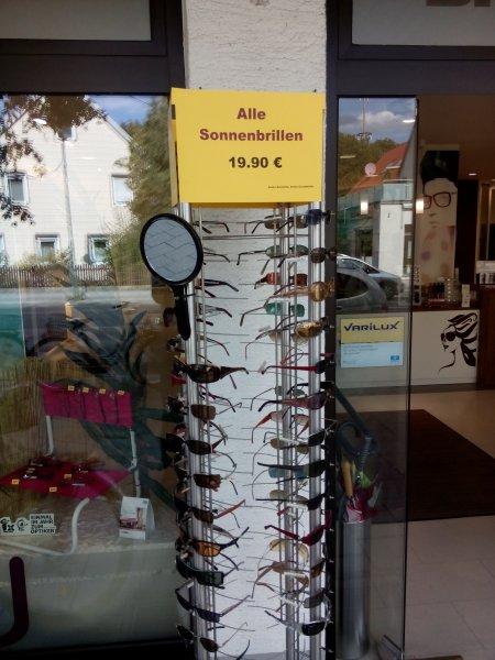Lokal Augsburg: Sonnenbrillen Auslaufmodelle