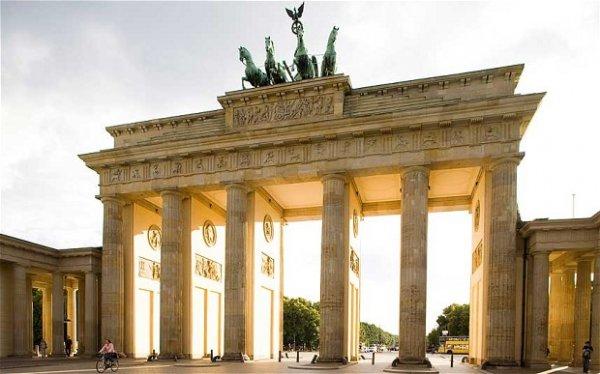 Reise: 1 Tag Berlin ab Köln (Flug, 4* Hotel) 49,- € p.P. (November - Dezember)