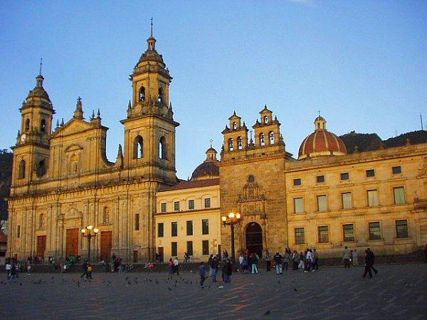 Flüge: Bogota (Kolumbien) ab München, Berlin oder Hamburg 274,- € hin und zurück (November - März)