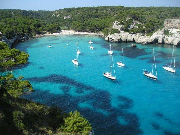 Reise: 2 Wochen Menorca ab München (Flug, Transfer, 4* Hotel, Zug zum Flug) 288,- € p.P. (Oktober)
