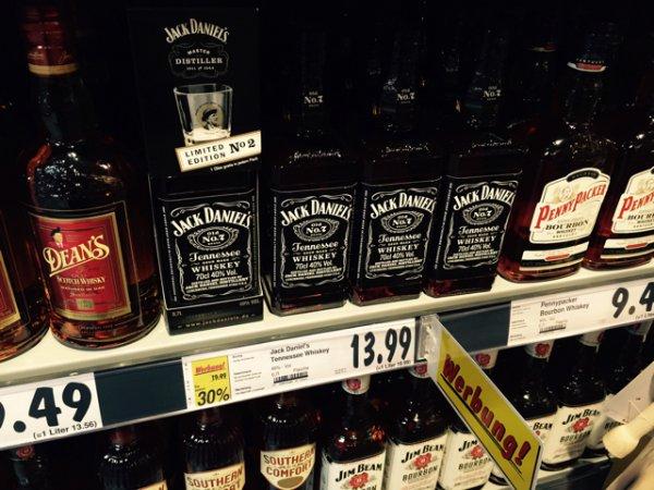 Jack Daniels mit Glas (Lokal)