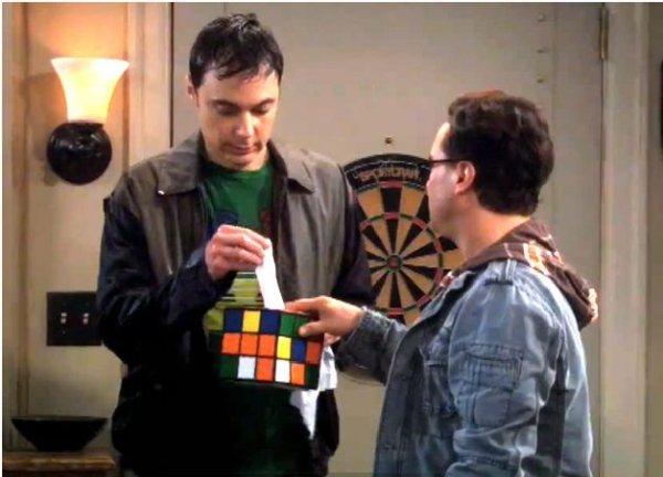 Zauberwürfel Taschentuchbox aus The Big Bang Theory für 13,90 (mit Aufwand 9,95 EUR!) statt 23,90 EUR