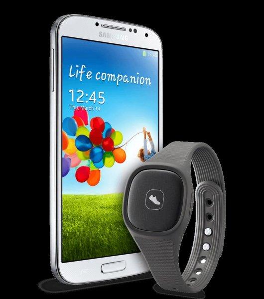 Samsung Galaxy S4 16GB LTE weiß  oder schwarz& Samsung Activity Tracker 284€ Incl. Versand bei smartkauf