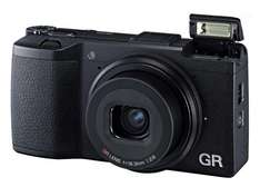 Ricoh GR Schwarz - Kom­pakt­ka­me­ra, 16,2 MP, APS-C-Sen­sor für 477,85€ @Amazon.co.uk