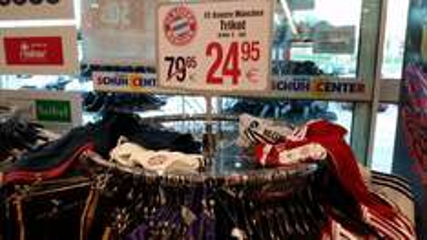 FC Bayern München Trikots 19,95 - 24,95€ und Hosen 12,95€  2013/2014 Schuh Center Siemes *BUNDESWEIT?*