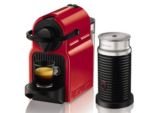 Nespresso TX 155 Inissia Milk Ruby Red o. White mit Milchaufschäumer. Für rechnerische 30,90 Euro