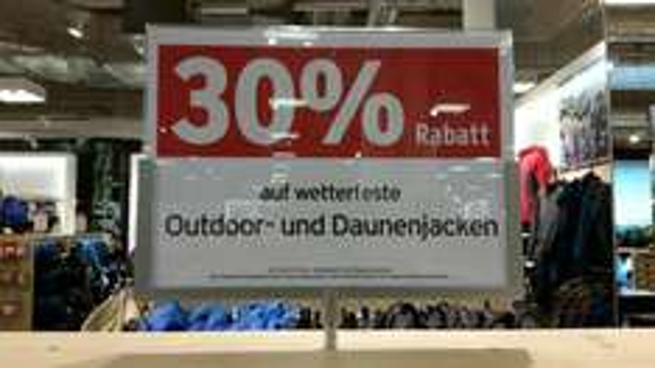 Lokal Dresden Karstadt Sport, 30% auf Outdoor und Daunenjacken
