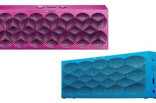 Jawbone Mini Jambox Bluetooth-Lautsprecher (Modell Modell Aqua Scales /  Modell Purple Snowflake) für 69,95 € inkl. VSK @ Groupon