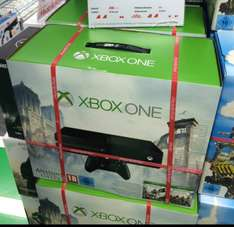 Xbox one mit Assassin's Creed Unity+ Black Flag (Köln)