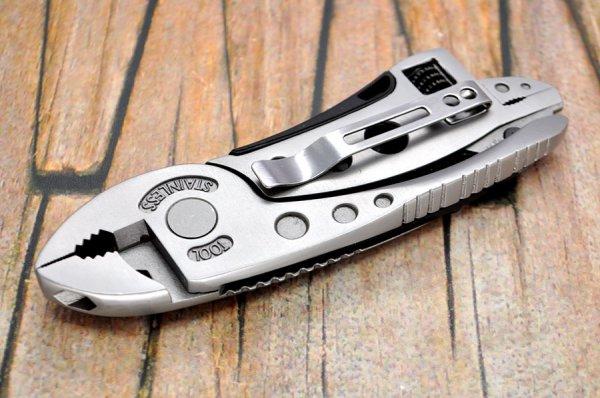 Multitool mit verstellbarem Schraubenschlüssel, Messer, Zange und Schraubenzieher für 10,78€ von Banggood