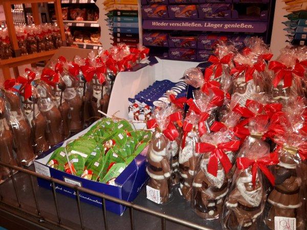 Abgelaufen[Lokal Baden-Baden] Wagner alle Weinachtsschokoladenartikel für 0,22€/bis zu 97% Ersparnis