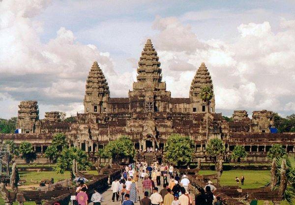 Flüge: Siem Reap (Angkor Wat - Kambodscha) ab Frankfurt 508,- € hin und zurück - Kombinationen z.B. mit Vietnam oder Thailand möglich (März - Juni)