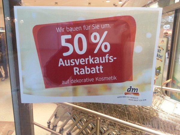 [Lokal DM Berlin] Ausverkauf 50% auf Kosmetikprodukte div. Marken Maybelline etc.