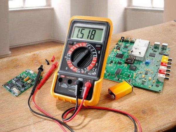 Multimeter für Elektronik-Anfänger · 15,95 € bei lidl.de · POWERFIX® Digital-Multimeter PDM 250 A2