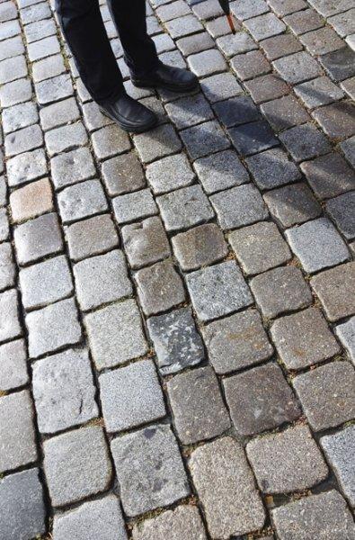 """Weltgästeführertag 2015 - Stadtführer laden bundesweit zur Gratis-Tour ein: Thema """"Steine"""""""