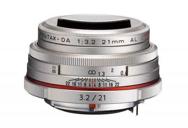Pentax 21mm F3,2 AL HD DA Limited Objektiv silber für 364,88 € @Amazon.fr
