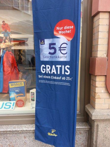 5 € Geschenkkarte gratis bei Tchibo bei einem Einkauf ab 25 € [Lokal Halle (Saale)?!]